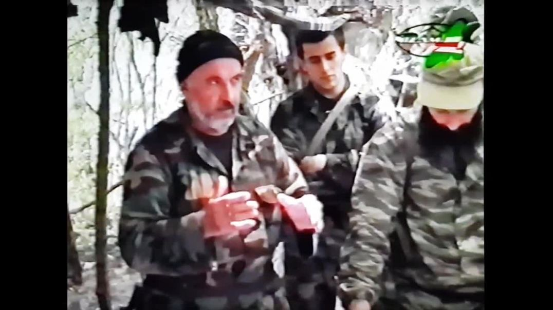 Новое оружие разработанное чеченскими оружейными мастерами «Лом - 30» 2004 год